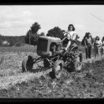 Farm Femmes, tractor, 1942